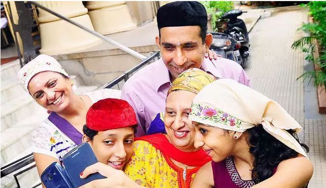PARSIS IS THE RICHEST COMMUNITY OF INDIA